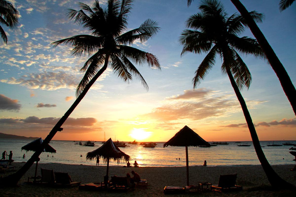 Solnedgång på Boracay i Filippinerna (Foto: Göran Ingman)